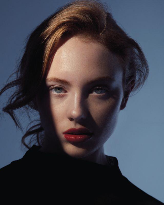 Vogue-Czechoslovakia-Shapes-Julio-Barcena-4